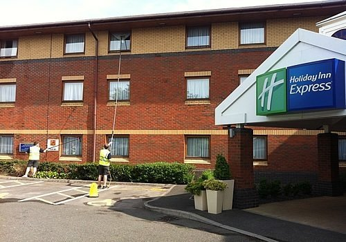 Hotel-Window-Cleaning