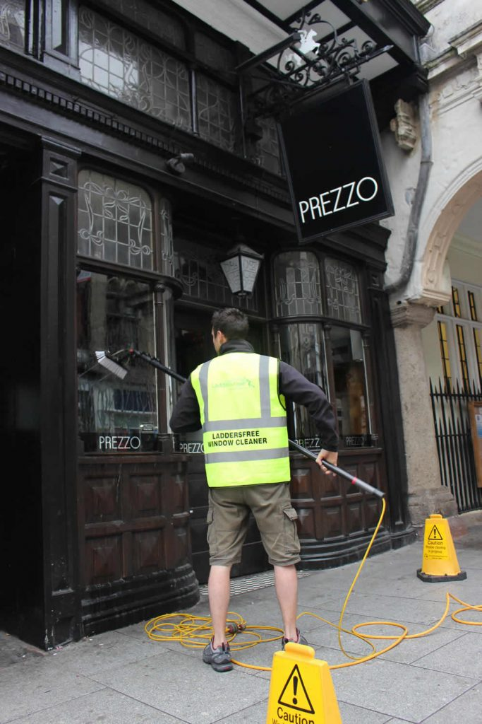 Prezzo-Restaurants-Window-Cleaning