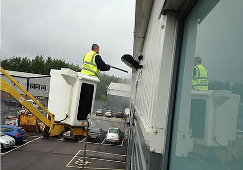 mobile elevated platforms window cleaning